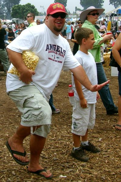 Only thing cooler then kettle corn is that ladies hat!